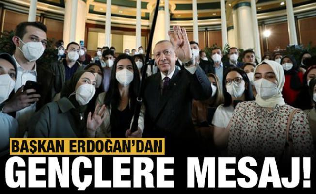 Başkan Erdoğan'dan gençlere mesaj: Benim görevim gençlerimizi geleceğe hazırlamaktır